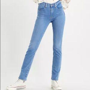 Levi's 724 High Waisted Straight Leg Jeans